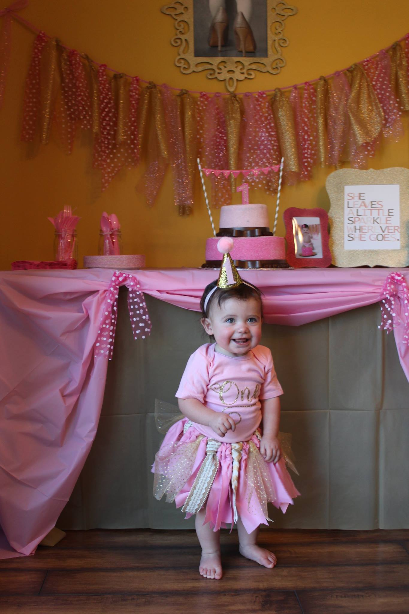 A Sparkly Good Time For This Pink & Gold Birthday Party!!
